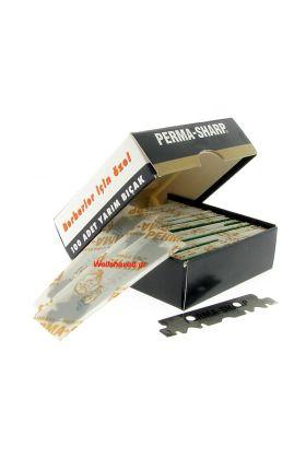 Perma Sharp Half Blades. Το κουτάκι περιέχει 100 λάμες έτοιμες για χρήση. Τα ξυραφάκια είναι ήδη κομμένα στη μέση.