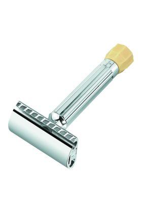 Ρυθμιζόμενη ξυριστική μηχανή Merkur Progress. Η συγκεκριμένη ξυριστική μηχανή σας δίνει τη δυνατότητα να προσαρμόσετε το ξυραφάκι ανάλογα με τα γένια σας και το δέρμα σας.