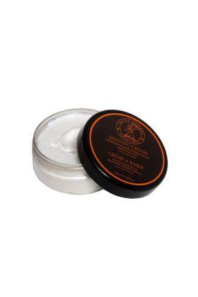 Κρέμα ξυρίσματος σε μπολ των 200ml με γήινο άρωμα κέδρου και σανταλόξυλου. Η ποσότητα είναι αρκετή για 5-6 μήνες ξυρίσματος. Με 100% φυσικά αιθέρια έλαια!