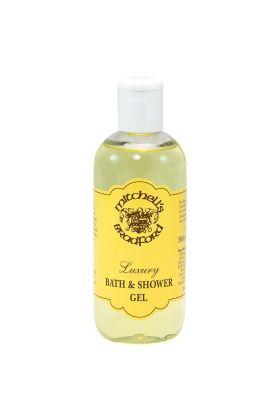Το Shower gel καθαρίζει απαλά το δέρμα και το αφήνει απαλό χάρη στη λανολίνη που περιέχει η οποία είναι γνωστή για τις μαλακτικές ιδιότητες που διαθέτει. Το shower gel είναι κατάλληλο για όλες τις επιδερμίδες.