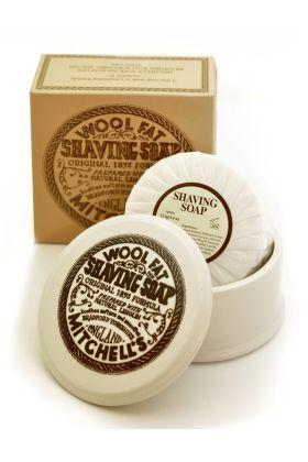 Σαπούνι ξυρίσματος Mitchell's Wool Fat  σε κεραμικό σκεύος. Προσφέρει εξαιρετική ενυδάτωση και προστασία κατά τη διάρκεια του ξυρίσματος. 125 γραμμάρια