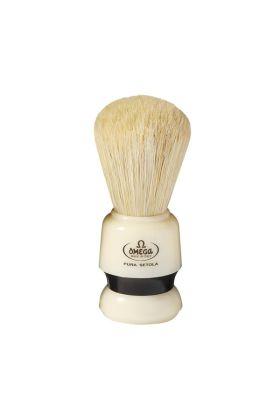Πινέλο ξυρίσματος με τρίχες χοίρου της Omega. Συνοδεύεται απο πλαστική βάση μαύρου χρώματος.