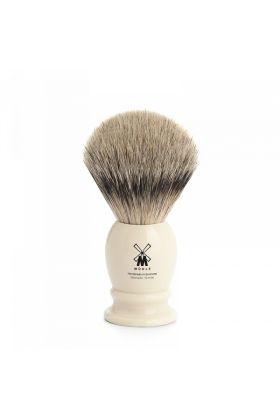 Πινέλο για ξύρισμα με τρίχες ασβού – Silvertip της Muhle. Η λαβή είναι χρώματος Ivory από υψηλής ποιότητας ρητίνη. Medium – 21mm (Knot)