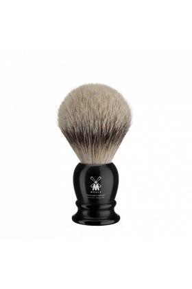 Πινέλο ξυρίσματος Silvertip Badger Muhle με λαβή μαύρου χρώματος από υψηλής ποιότητας ρητίνη. Διαστάσεις : Διάμετρος λαβής : 3,50 cm - Ύψος λαβής : 4,20 cm - Μήκος Τρίχας : 5,00 cm - Medium Size - 21mm