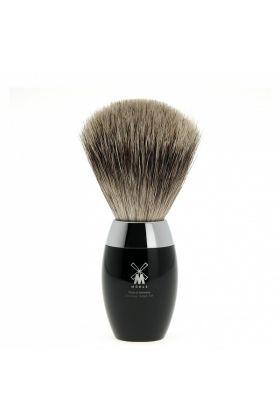 Πινέλο ξυρίσματος Fine Badger Muhle με λαβή σε μαύρο χρώμα από υψηλής ποιότητας ρητίνη με επιχρωμιωμένα μεταλλικά μέρη.  Medium Size - 21mm