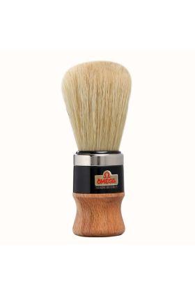 Πινέλο ξυρίσματος Omega 20102 με ξύλινη λαβή και μαύρο πλαστικό τελείωμα με τρίχες χοίρου. Διάμετρος λαβής : 3,50 cm Ύψος λαβής : 5,80 cm Μήκος τρίχας : 6,40 cm