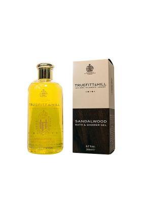 Σανταλόξυλο Bath & Shower Gel της Truefitt & Hill σε συσκευασία των 200ml. Δημιουργεί ένα πλούσιο αφρό και προσφέρει βαθύ καθαρισμό που σας δίνει αίσθηση ευεξίας ενώ αφήνει την επιδερμίδα σας αναζωογονημένη.