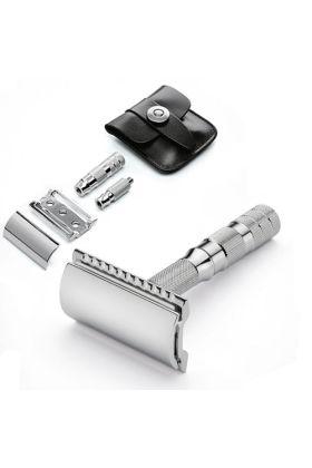 Ξυριστική μηχανή ταξιδίου closed comb με δερμάτινη θήκη διαστάσεων 6cm x 6 cm. Κατάλληλη μηχανή για όσους θέλουν να είναι ξυρισμένοι κάθε ημέρα στα επαγγελματικά τους ταξίδια και όχι μόνο.